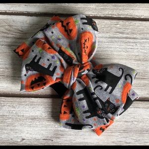 Halloween Cat-O-lantern messy bow